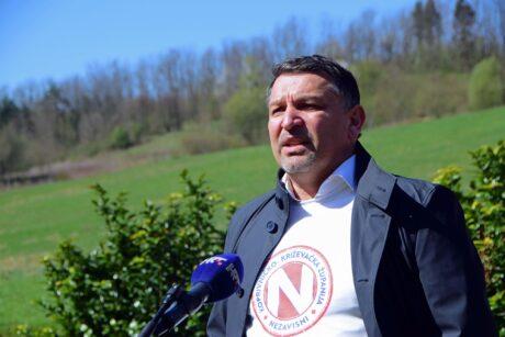 Željko Lacković daje izjavu za HRT